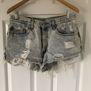 Levi's 550 Relaxed Fit Distressed Shorts